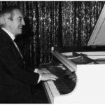 """Shegundo Galarza - """"Morreu Shegundo Galarza, Rei Da Música De Salão"""" (artigo de opinião / obituário)"""